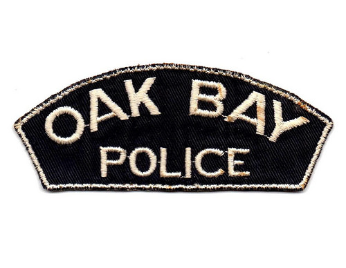 Canada - BC - District of Oak Bay Police (old style bar shape title only)